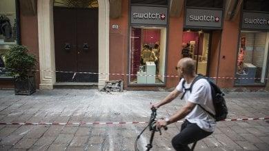 Piovono calcinacci in via D'Azeglio /  foto