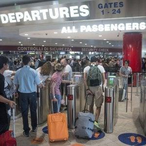 Bologna, beffa i controlli all'aeroporto Marconi e giunge fino al gate prima di essere fermata