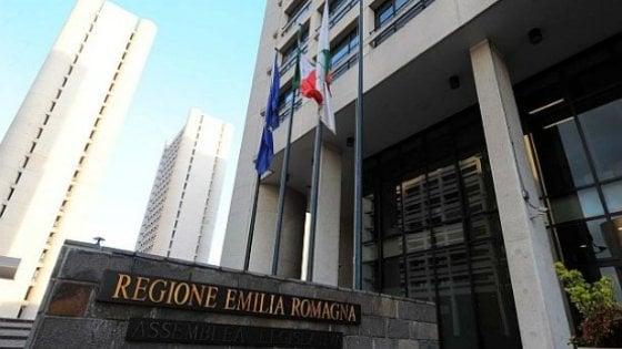 Cartellino addio, si lavora fuori dall'ufficio: la sperimentazione in Emilia Romagna