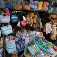 Basta negozi a effetto bazar: a Rimini un galateo per il decoro urbano