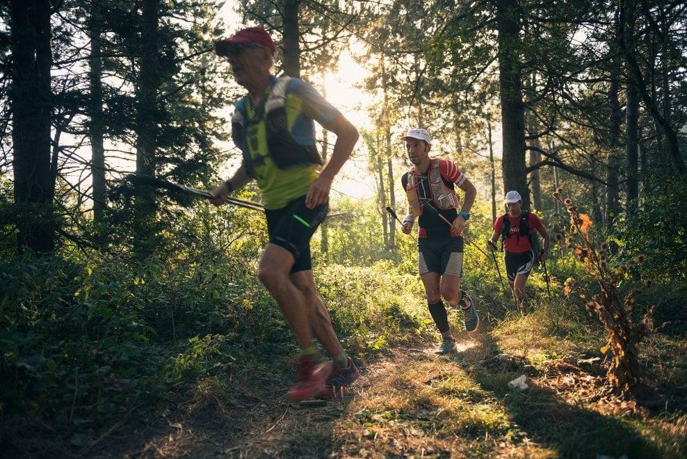 Avp 501, la sfida più lunga al mondo: di corsa lungo i 501km dell'Alta via dei Parchi, lungo l'Appennino emiliano-romagnolo