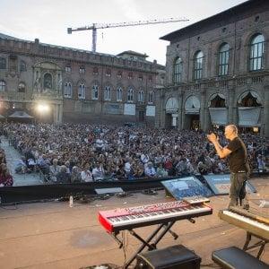 Gli appuntamenti di mercoledì 13 a Bologna: la storia di piazza Maggiore
