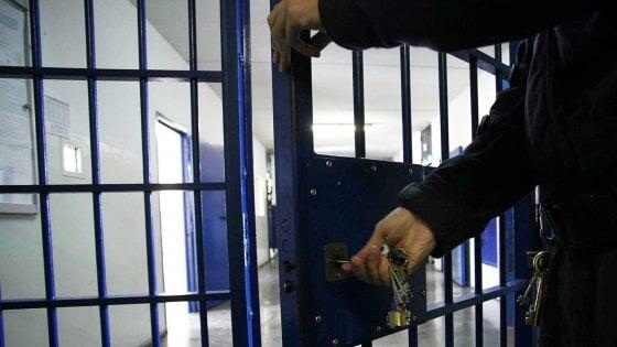 Emilia-Romagna, raddoppiati in un anno i suicidi in carcere