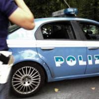 I bambini disturbano, guardia giurata estrae pistola: arrestata