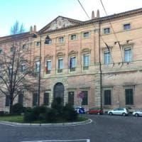 Modena, primario aggredito con soda caustica: pena ridotta in appello