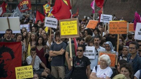 """Bologna, Colau contro Salvini: """"Non rappresenta l'Italia"""""""