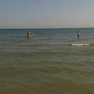 Rimini, romano muore in mare