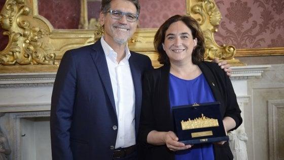 """La Turrita d'oro di Bologna per la sindaca di Barcellona: """"Dobbiamo ripartire dalle città"""""""