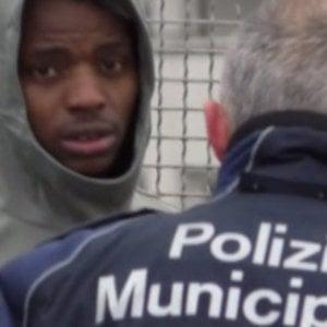 """Incidente Keita, il calciatore incastrato dal telefonino: """"Non dire alla polizia che guidavi tu"""""""