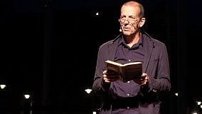 Gli appuntamenti di venerdì 22  Il reading di Baliani in piazza Verdi