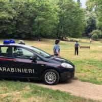 Rimini, ragazzo sorpreso con uno spinello: il padre gli tira un ceffone