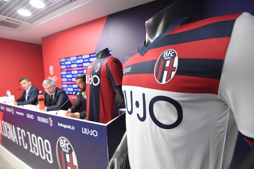Il Bologna si rifà il look: ecco il nuovo logo, le maglie e il main sponsor Liu Jo