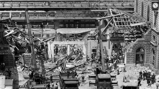 Bologna, studenti e docenti dell'Alma Mater analizzeranno le macerie della strage alla stazione