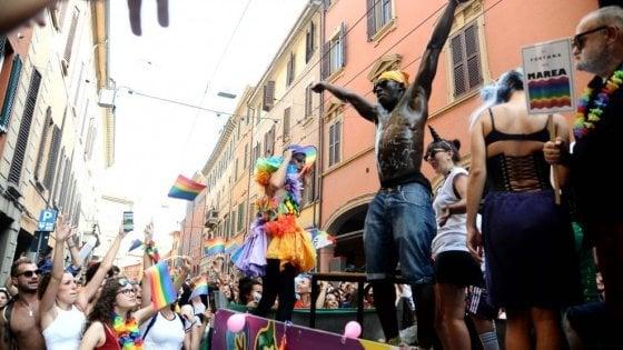 LEOPARDO GAY LOCALE