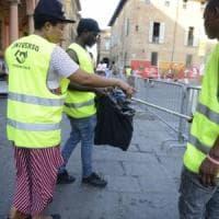 Bologna, il Comune a caccia di proposte per impiegare i richiedenti asilo