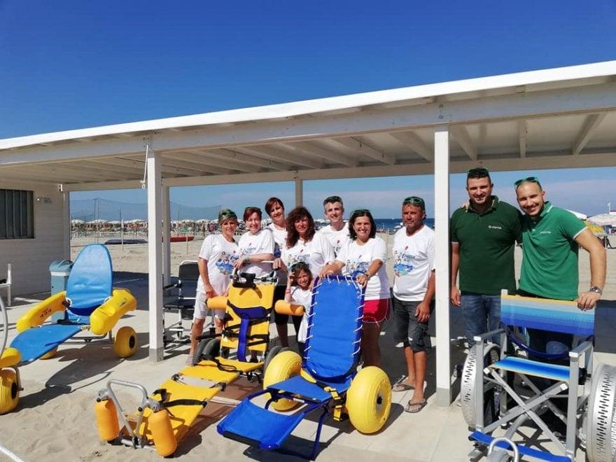 Tutti al mare, nessuno escluso: il primo bagno in Romagna pensato per i disabili