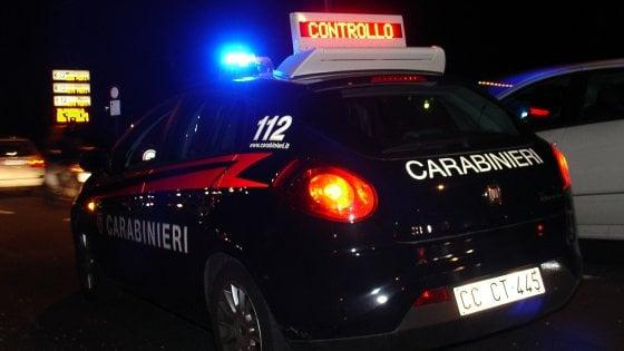 Bologna, tenta di investire un carabiniere a un posto di blocco