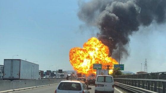 Bologna, inferno sulla tangenziale: un morto e oltre 60 feriti