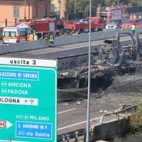 Esplosione sul raccordo a Bologna, Conte dai feriti: