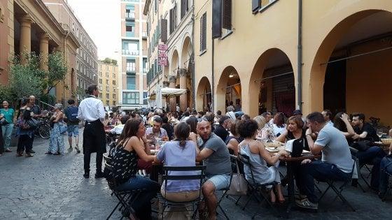 Prorogata l'ordinanza per i locali del mercato delle Erbe a Bologna
