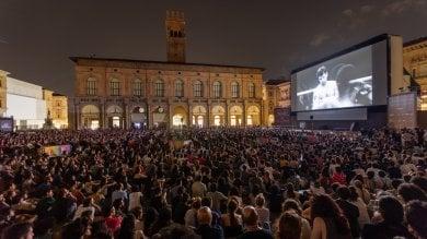 I 200mila spettatori del maxischermo   Foto   Cinema in piazza, successo intramontabile