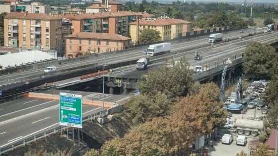 """Esplosione di Bologna, il M5s: """"Controlli da un ente terzo prima della riapertura della A14"""""""