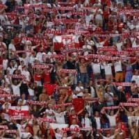 Italia-Polonia a Bologna, il dopo partita: sequestrati striscioni e risse