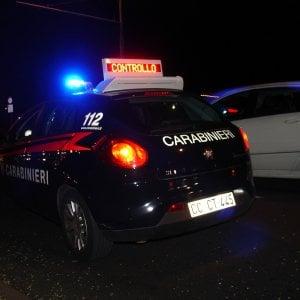 Bologna, provoca un incidente e fugge nel bosco: arrestato