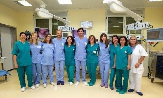 Reggio Emilia, a due anni rischia di soffocare per un cece: salvato dopo un intervento di 5 ore