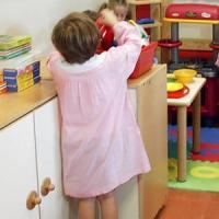Reggio Emilia, violenza sessuale su un bambino di 4 anni all'asilo: indagato
