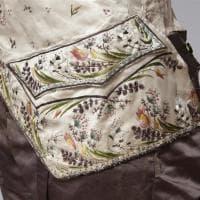 'Tessere giardini', un itinerario floreale nella collezione del museo del Tessuto di Bologna