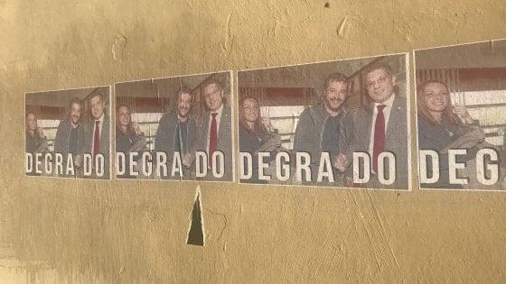 Ateneo Bologna, la foto del rettore con Salvini sui muri di via Zamboni