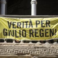"""""""Verità per Giulio Regeni"""", il Comune di Bologna espone lo striscione di Amnesty International"""