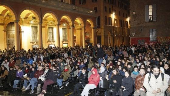 Bologna, la piazza dei saperi contro la politica dell'odio