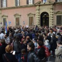 Bologna, in centinaia per il sindaco di Riace