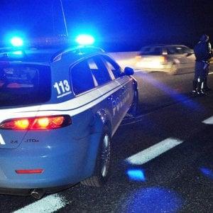 Bologna, poliziotti picchiarono e rapinarono tre spacciatori: condanne confermate in Appello