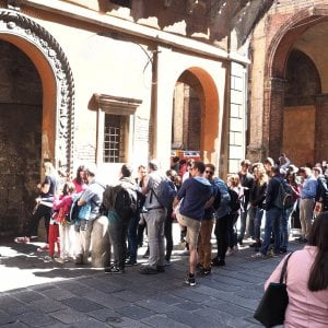 Bologna aumenta la tassa di soggiorno, è polemica - Repubblica.it