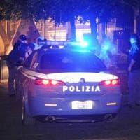 Bologna, spaccata in tabaccheria: il suv come ariete