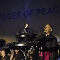 """Da Bologna un ponte per la pace: """"La guerra è contro l'uomo"""""""