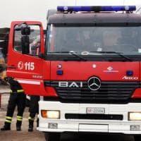 Bologna, incendio in casa: anziano grave