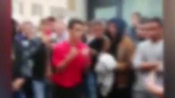 Piacenza, il fight club del sabato in piazza: risse tra adolescenti organizzate sui social