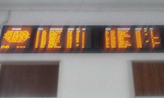 Maltempo, in Emilia-Romagna 3mila case senza luce. Treno in viaggio con 597 minuti di ritardo