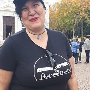 c55cba0cebd6d8 La Disney sulla t-shirt della vergogna: