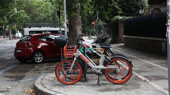 Bologna, app bloccata a chi parcheggia la Mobike nel cortile di casa