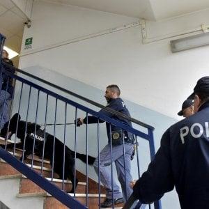 Bologna, maltrattava la moglie per farla diventare Testimone di Geova