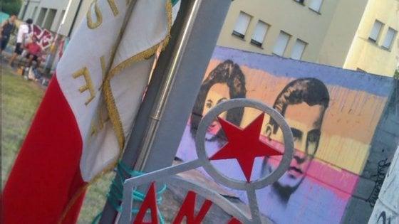 """Libro sulle """"atrocità partigiane"""", l'Anpi di Reggio Emilia contrattacca: presidio e minacce di denuncia"""