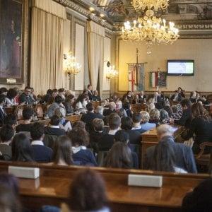 Bologna, esposto Lega-Fi contro la permuta per la moschea