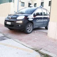 Bologna, danneggia una decina di auto scegliendole a caso: arrestato