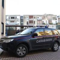 Bologna, padrone di casa ferito con una coltellata dal ladro