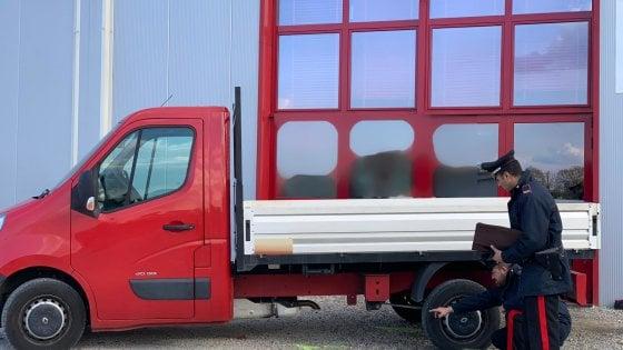 Incidente sul lavoro nel Bolognese: operaio investito col furgone da un  collega